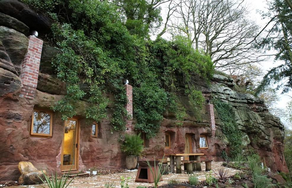 700-letnią jaskinię